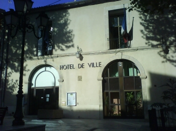 H tel de ville de clermont l 39 h rault - Piscine de clermont l herault ...